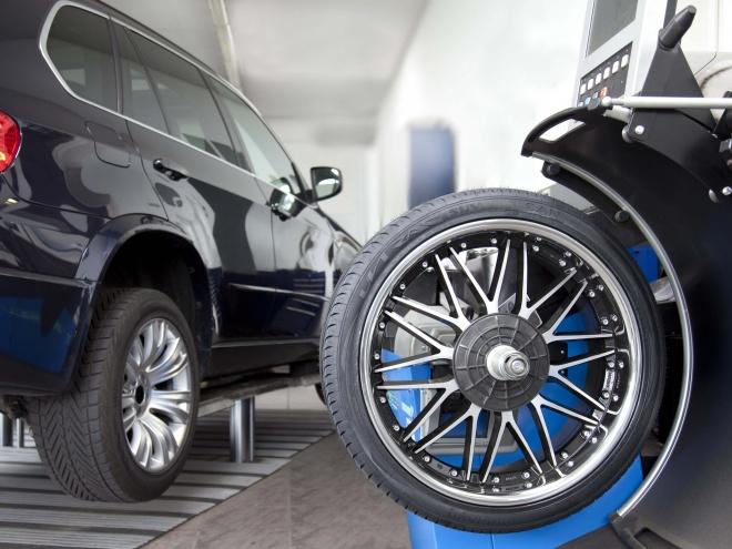 Felgenpflege-Und-Reparatur-Car-Image-Wuerzburg